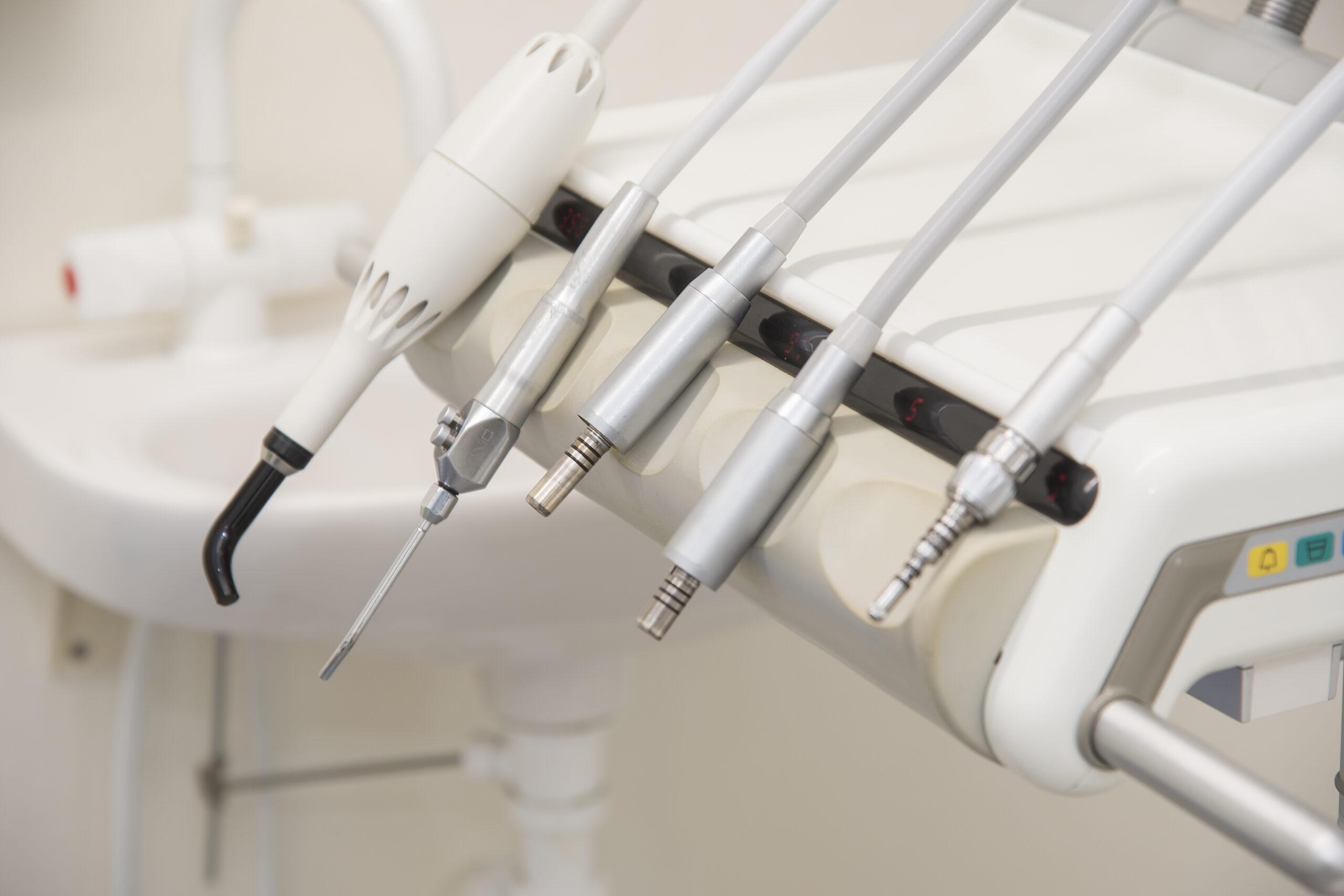 Udstyr til tandbehandling